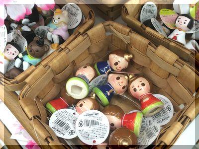 100円ショップセリアでひな祭り飾り付けミニ雛飾り