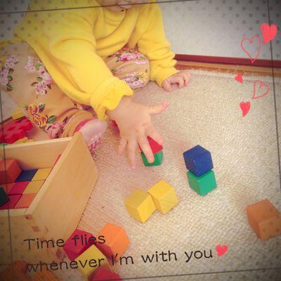 赤ちゃんの積み木選び方くもん図形キューブ