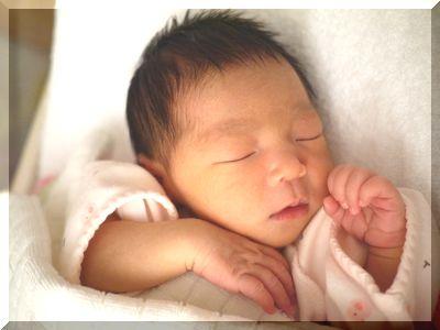 出産後の赤ちゃん寝顔